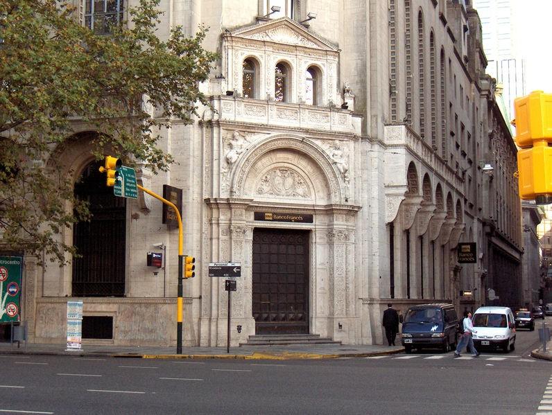 Plaza de mayo parte ii for Casas del banco bbva